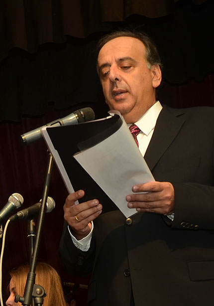 Γιάννης Δεμιρτζόγλου